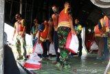 TNI AU kirim bantuan untuk korban banjir bandang di Flores NTT