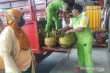 Warga Karimun serbu pangkalan gas elpiji