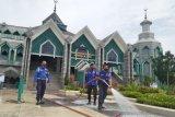 Jelang Ramadhan Damkar dan BPBD Makassar sterilisasi 1.700 masjid