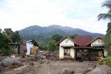 Tinjau NTT, Panglima dan Kapolri fokuskan evakuasi korban dan kirim bantuan