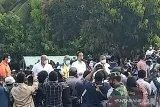 Presiden Jokowi singgah sekitar sejam di lokasi bencana Desa Nelelamadike
