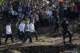 Jokowi tinjau kondisi pengungsi banjir bandang di Adonara