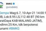 Gempa bumi M 6,7 picu guncangan sedang hingga kuat di Jatim