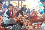 Sehari jelang Ramadhan, harga daging sapi di pasar tradisional Pasaman Barat naik