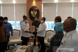 Bertemu Menteri KP, Bupati Pessel laporkan terkait peningkatan ekonomi nelayan