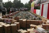 Polres Bekasi musnahkan 10.195 botol minuman keras