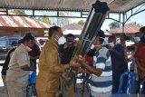 Bupati Manggarai serahkan bantuan untukkorban bencana alam