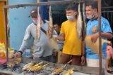 Berburu ikan bakar di Pasar Ramadhan Tanjunguma