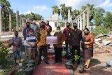 OJK bantu perbaikan rumah ibadah rusak akibat badai Seroja