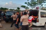 Polisi evakuasi mayat mengapung dan anak tenggelam