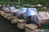 Untuk memudahkan proses panen, 11 Kelompok Tani di Padang terima alat perontok padi dari Kementan