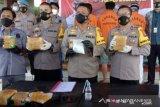Polisi ungkap peredaran sabu 5,6 kg lintas negara