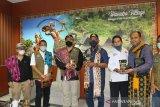 Sumatera Barat kirim rendang 1,5 ton untuk korban bencana NTT