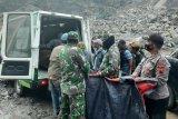 Penambangan Sungai Bebeng longsor, tiga tewas