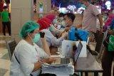 Dinkes Makassar: Petugas publik harus bawa 2 lansia untuk divaksin COVID-19