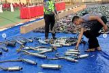 Polres Tangsel hancurkan ratusan knalpot bising