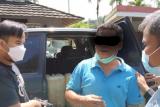 Dua orang tersangka beserta sisik tregiling telah ditahan di Polda Sumbar