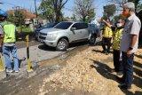 Ganjar cek perbaikan jalan rusak Semarang-Godong