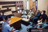 Pengusaha ekspedisi datangi DPRD Kotim minta solusi angkutan di Pelabuhan Sampit