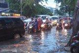 BMKG prakirakan potensi hujan lebat disertai angin beberapa wilayah Indonesia