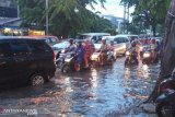 BMKG prakirakan hujan lebat di Sumatera Selatan dan beberapa daerah di Indonesia