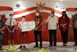 BPJAMSOSTEK Manado serahkan manfaat beasiswa peserta program JKK dan JKM