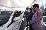 Panglima TNI dan Kapolri tinjau vaksinasi drive thru di Bali
