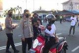 Peringati Hari Kartini, Polres Pulpis bagikan ratusan takjil