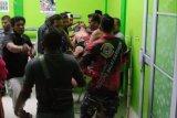 Seorang anak buah kapal penumpang di Karimun jatuh ke laut