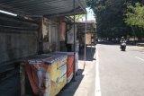 Wawali meminta pemilik warung makan tidak melayani makan di tempat