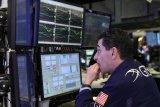 Saham-saham Wall Street jatuh diseret proposal pajak Biden, Dow anjlok 321,41 poin