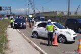 Polisi putar balikkan 320 unit kendaraan keluar gerbang tol Cileunyi Bandung