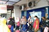 Satgas COVID-19 Kota Bandarlampung tertibkan kerumunan di bank