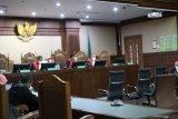 Mantan anggota BPK Rizal Djalil divonis 4 tahun penjara dan denda Rp250 juta