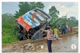 Bus dan truk senggolan di Mesuji Lampung akibatkan pengemudi tewas