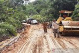 Kerusakan Jalan Km 34 - Simpang Benangin ditangani secara darurat