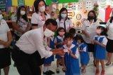 Dukcapil Minahasa Tenggara mulai salurkan Kartu Identitas Anak