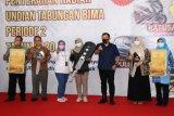 Bank Jateng Cilacap serahkan hadiah undian Tabungan Bima Periode 2 Tahun 2020