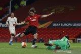 Edinson Cavani pimpin Manchester United hajar AS Roma 6-2 di leg pertama