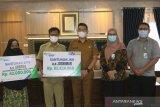 Ahli waris dua orang pekerja terima santuan total Rp135 juta dari BPJAMSOSTEK cabang Solok