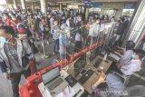 Bandara International Hang Nadim Dipadati Pemudik