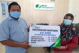 BPJS Ketenagakerjaan Baubau menyerahkan manfaat beasiswa ahli waris