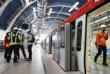 Presiden Jokowi mengharapkan kereta LRT buatan RI bisa diekspor