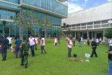 Buruh di Jambi aksi tanam pohon hijaukan kota