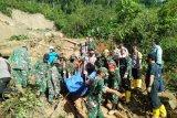 Basarnas perkuat proses evakuasi korban longsor  di Tapanuli Selatan, baru tiga korban ditemukan