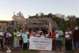 FAM Sabu Raijua-Rotary Club salurkan 200 paket bahan pokok bantu korban bencana Seroja