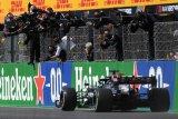 Hamilton juarai GP Portugal, kemenangan ke-97 dalam karier