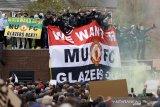 Avram Glazer menolak minta maaf usai diprotes suporter Manchester United