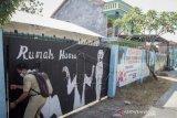 Rumah Karantina Pemudik Di Bekas Gudang Kosong Yang Dianggap Angker Oleh Warga