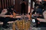 Seorang penjual miras di Ruko Purwosari Solo ditangkap